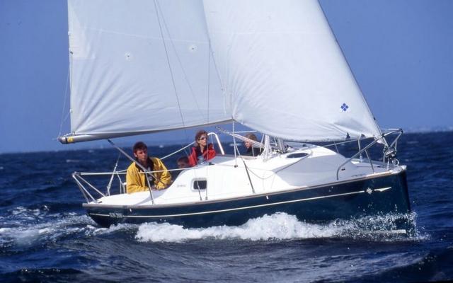 2011 Jeanneau Sun 2000