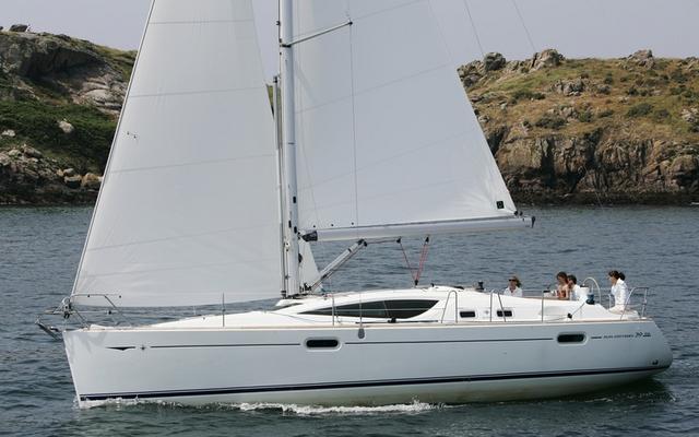 2011 Jeanneau Sun Odyssey 39 DS