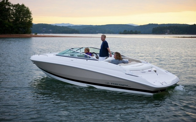 2014 Regal 2250 Cuddie - Tests, news, photos, videos and