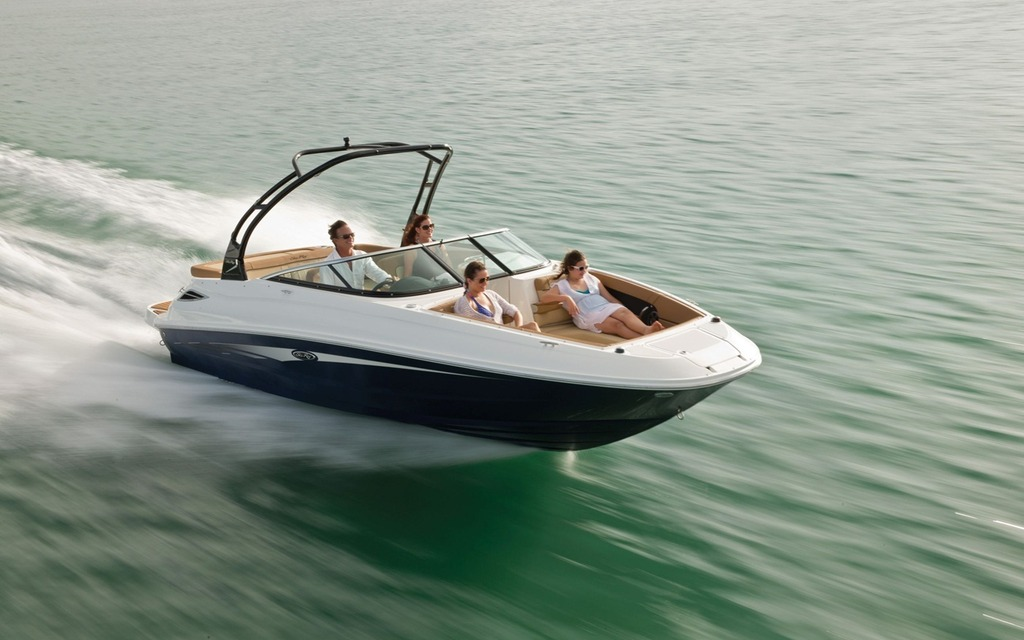 2016 Sea Ray 240 Sundeck - Tests, news, photos, videos and