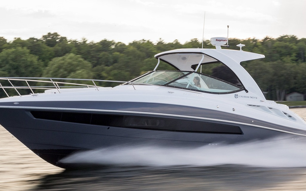 2016 Cruisers 35 Express