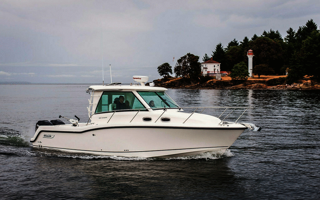 2020 Boston Whaler 315 Conquest Pilot