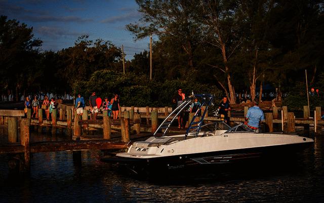 Bayliner 215 Deck Boat 2020
